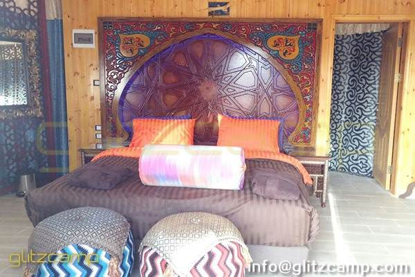luxury lodge tent for glamping accommodation suite room of 2 - 3 people - glamping retreat tent in desert lakeside safari (6)