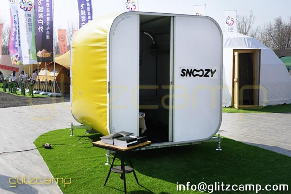snoozy box revolutionary sleeping pod mobile hotel lodge for sale. Black Bedroom Furniture Sets. Home Design Ideas