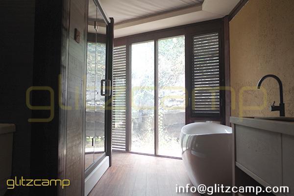 safari glamping tents - hotel resorts tents - african style glamping accommodations - safari living experience (18)