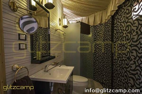 luxury lodge tent for glamping accommodation suite room of 2 - 3 people - glamping retreat tent in desert lakeside safari (11)