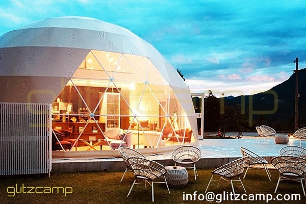 tented resort in Japan-luxury gramping experience- glumping 妙義 - geodesic dome tent campsite (24)
