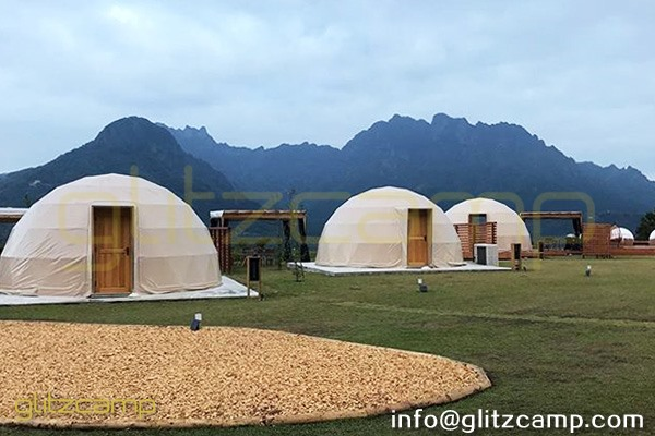 tented resort in Japan-luxury gramping experience- glumping 妙義 - geodesic dome tent campsite (32)